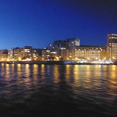 Vista su Sliema dal traghetto / View from ferry
