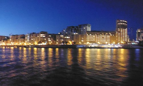 Vista su Sliema dal traghetto / View from ferry