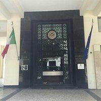 Entrada do Edifício Casa d'Italia, onde está localizada a sala