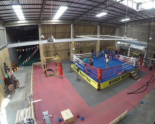 Muaythai & boxing in real ring!