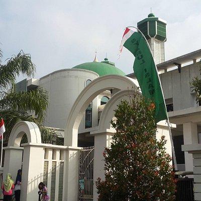 Masjid Agung Syiarul Islam Alun-Alun Kuningan