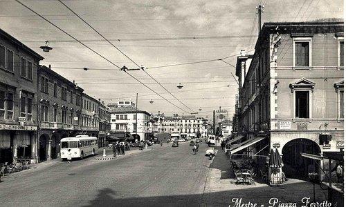 Piazza Ferretto com'era un tempo.