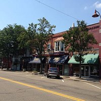 Downtown Dover, Ohio, home of Mindy's Dover Station restaurant