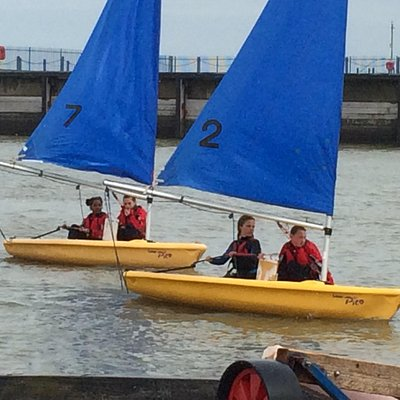 Sailing school for over 12s