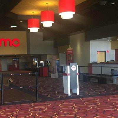 Lobby view of AMC 10, Spring, Texas