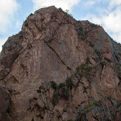 Zoom out shot of the Manco Inca Portrait