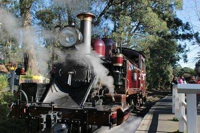 puffing billy historic steam train