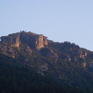 Sorge il sole sulla cima del Roccere'