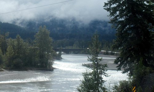 Columbia River, Golden, BC (Kootenay Rockies)