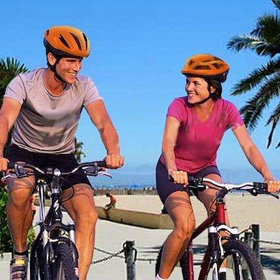 Philadelphia Bike Tours by Wheel Fun Rentals Couple 2