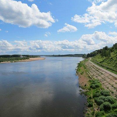 Вид с моста на реку Вятка