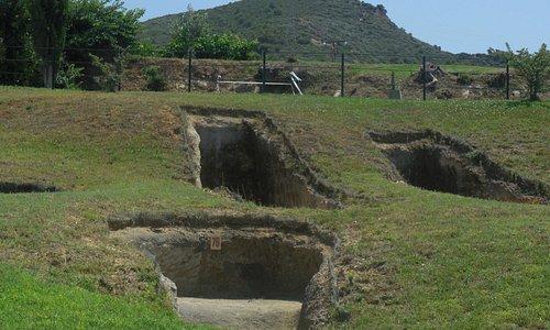 Τάφοι