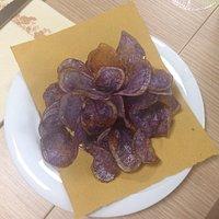 Chips di patate viola.