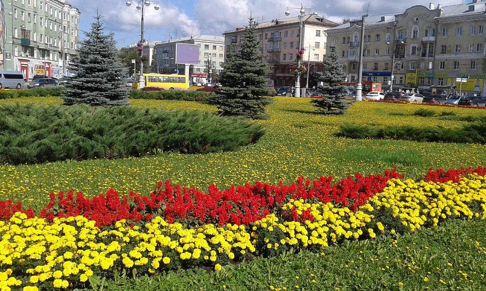 Комсомольская площадь в августе