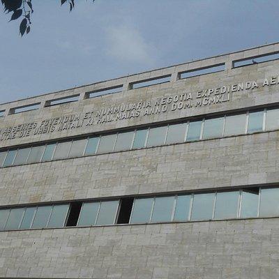 Palazzo delle Poste, particolare della Intitolazione