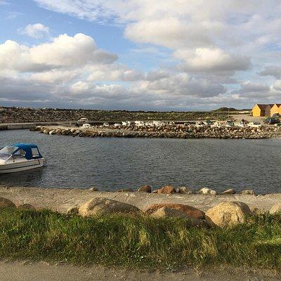 Sele båthavn og strand