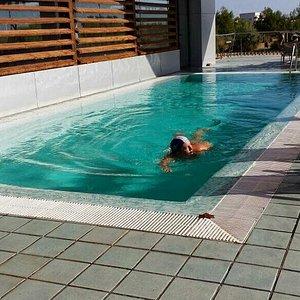 Restaurante La Sal y piscina exterior del hotel