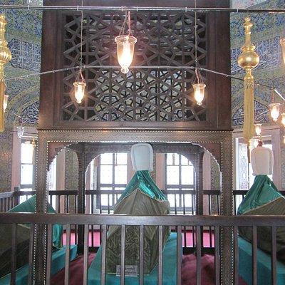 Захоронение Шехзаде Мехмета и трон над ним