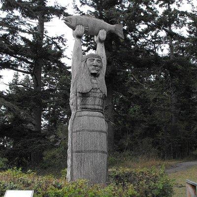 Wood carving at Rosario Bech