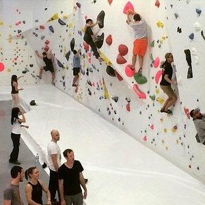 The social way of indoor climbing
