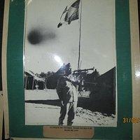 Hasteamento da Bandeira no dia que a Segunda Guerra acabou