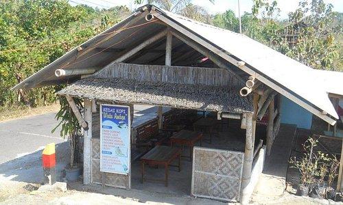 Warung kopi di Watu Amben
