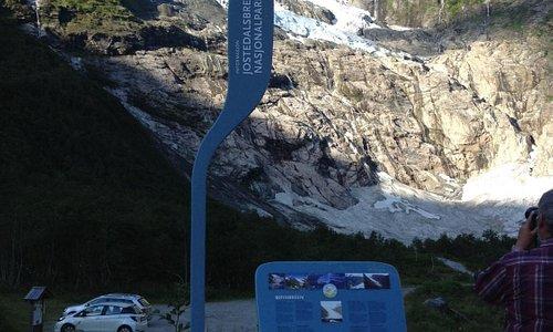 Il ghiacciaio dal parcheggio