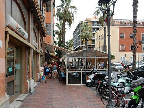 Bistro right next to market square