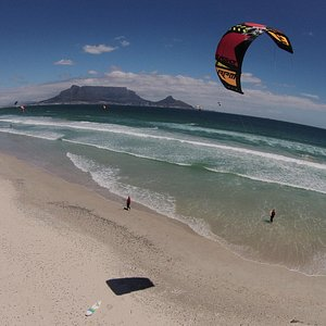 Kitekahunas complete 2-3 kitesurf courses and wave courses in Sunset Beach