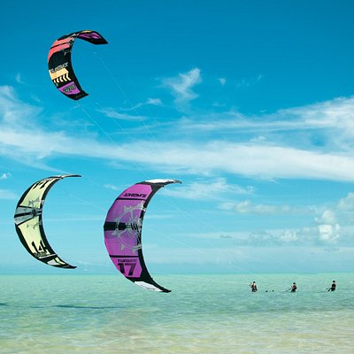 Learn to kiteboard in paradise!