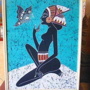 Salah satu lukisan di Imam Galery