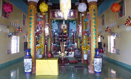 Service inside, altar, lying Buddha and view from top