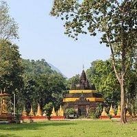 Wat Tham Pla (Fish Cave)
