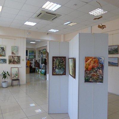 Выставка-продажа произведений современных авторов