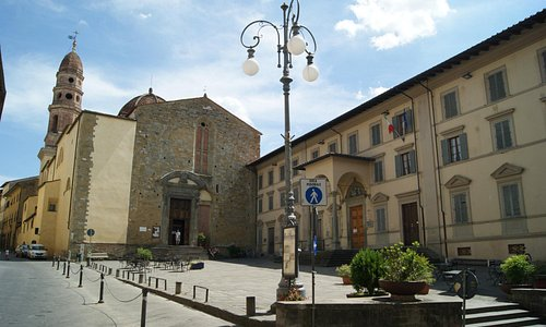 Piazza di Badia