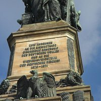 Am Niederwald-Denkmal,