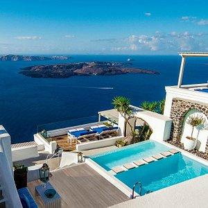 Iconic Santorini Infinity Pool