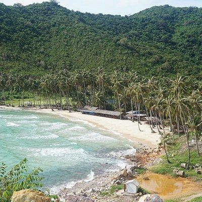 Bãi Mến, chụp từ đường quanh đảo
