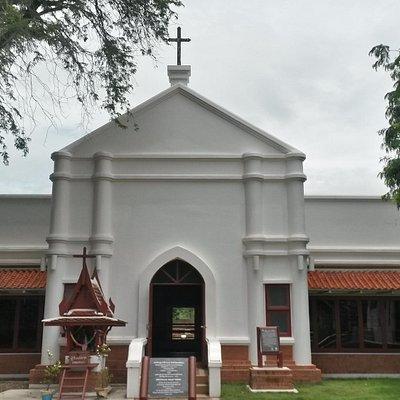 La facciata della chiesa di San Pietro