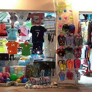 La Strada Shopping Center