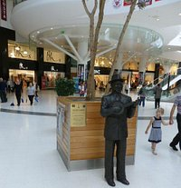 George Formby in the Shopping Mall