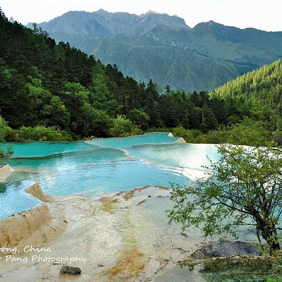 Huanglong Scenic Valley