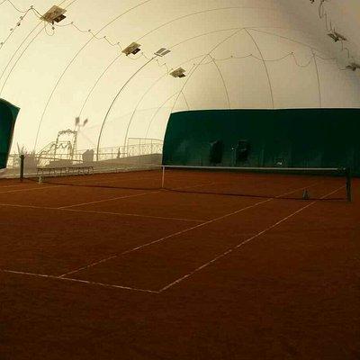 Campo da tennis coperto!