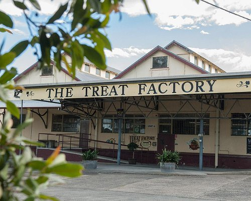 The Treat Factory. Over the railway line at Berry.
