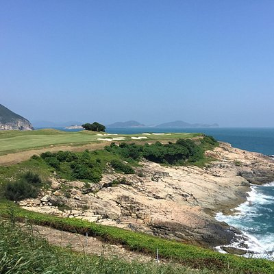 Hole No. 3 is the signature hole for this scenic golf course.