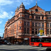 Palace Theatre, Cambridge circus.