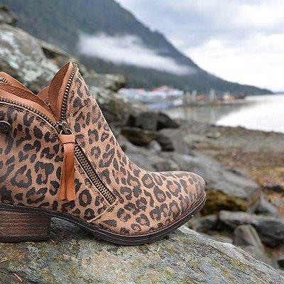 A little tone-on-tone animal print adds an urban edge to Juneau beaches.