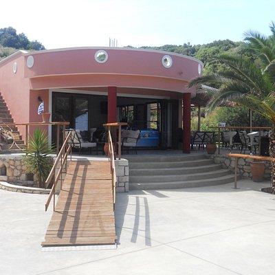 Restaurant next to Makris Gialos beach