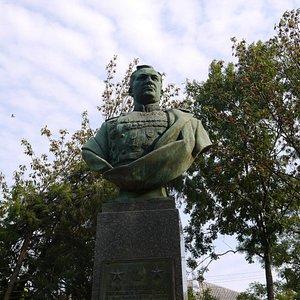 Памятник Хрюкину