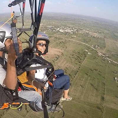 Fly like a bird without any previous experience of flying.